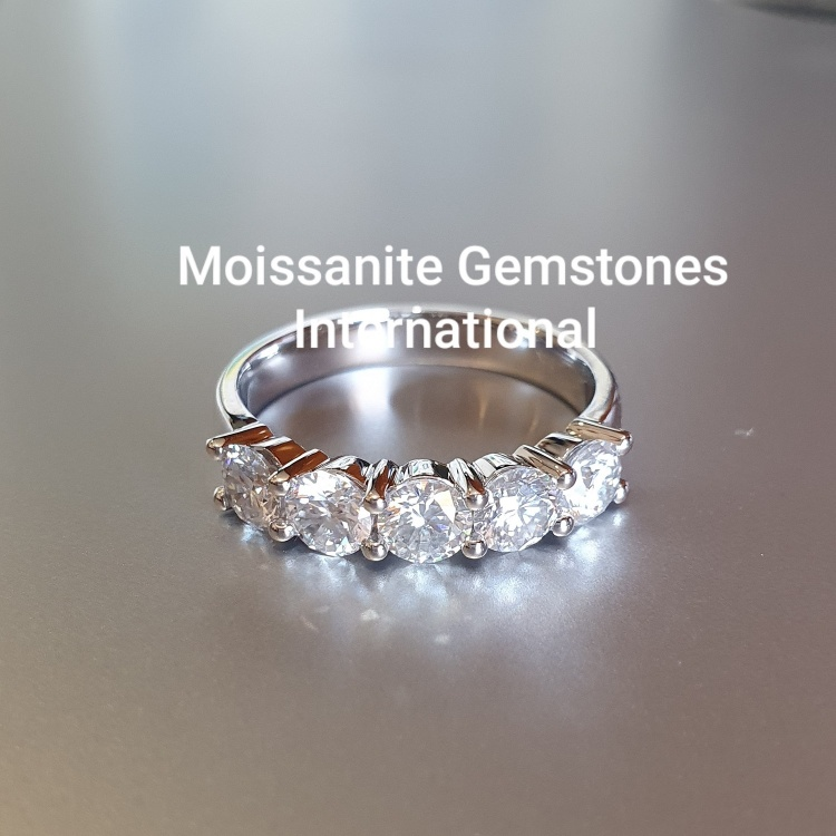 5 gemstone 1.65ct Moissanite ring