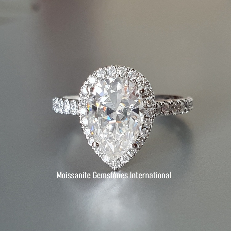 Pear cut Moissanite Engagement ring