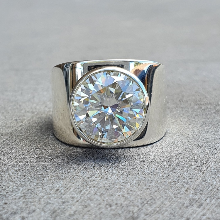 Large gemstone Moissanite Ring