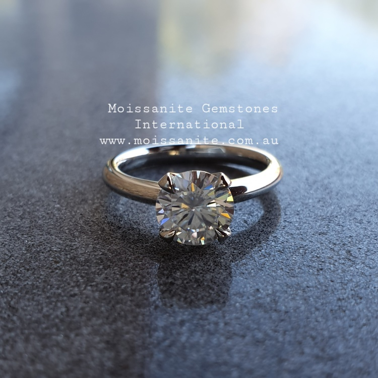 0.8ct Moissanite Engagement Ring
