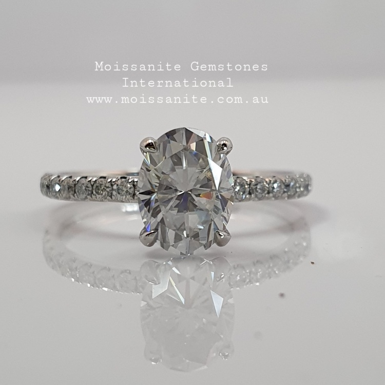 1.5ct Oval Moissanite Engagement Ring